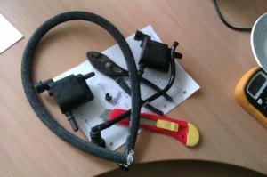 На фото - ремонт клапана адсорбера, drive2.ru