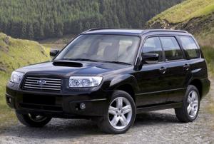 На фото - автомобиль Subaru, motor-soft.ru