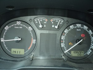 На фото - ошибки на приборной панели авто, drive2.ru