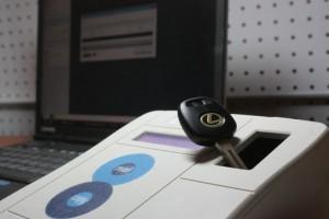 Фото изготовления чип-ключа, zamok55.ru