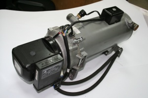На фото - предпусковой подогреватель двигателя, autoritet.com