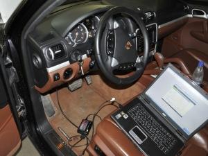На фото - программный тюнинг автомобиля