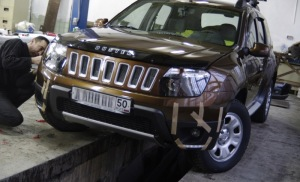 Фото подготовки к установке кенгурина на Рено Дастер, drive2.ru