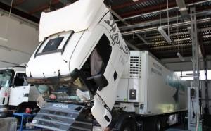 Фото чип-тюнинга грузовика в специализированном центре, news.sarbc.ru