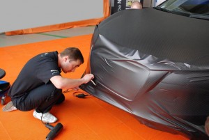 Фото оклейки автомобиля карбоновой пленкой, sauto.com.ua