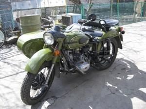 На фото - мотоцикл Урал в милитаристском стиле, bikepost.ru