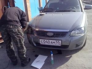 Фото наклеивания тонировочной пленки на фары Лада Приора, drive2.ru