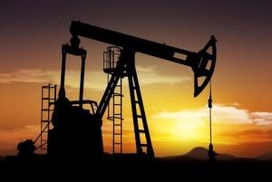 На фото - добыча качественной нефти, mignews.com