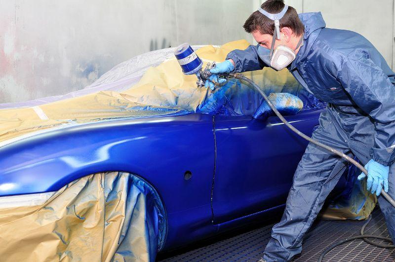 На фото - покраска авто своими руками