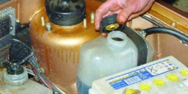 Уходит тосол ВАЗ 2114 – как устранить неисправность и заменить жидкость в системе?