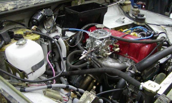 На фото - модернизация двигателя Нивы