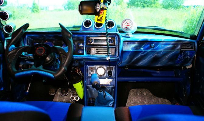 Качественный тюнинг интерьера автомобиля