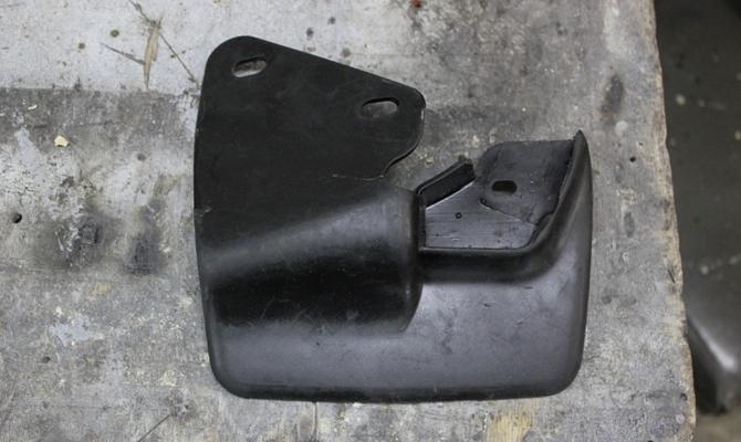 Брызговики на ВАЗ 2114 – как выбрать оптимальную защиту для машины?