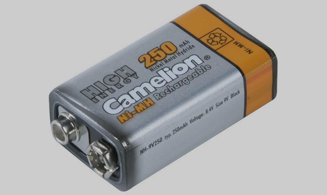 Простая батарейка типа «Крона» на 12 вольт