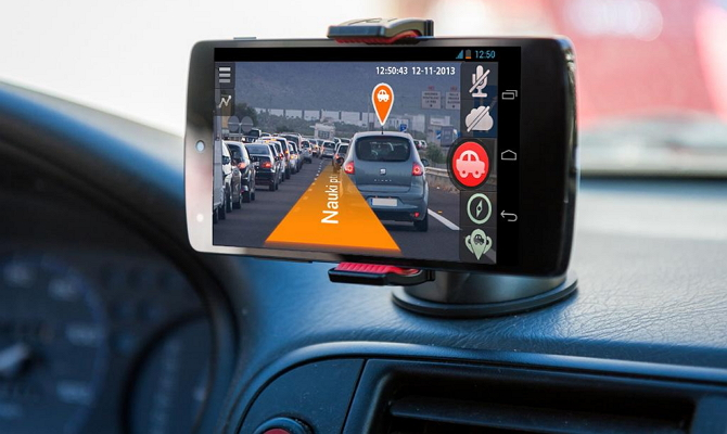 Видеорегистратор с GPS-навигатором