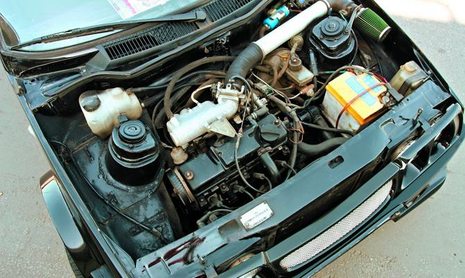 Двигатель автомобиля Таврии