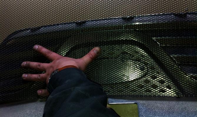 Установки сетки на радиаторную решетку