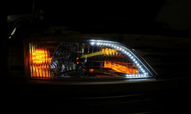 Фара Тойоты со светодиодной лентой