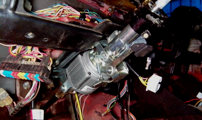 Механическая проверка усилителя руля авто