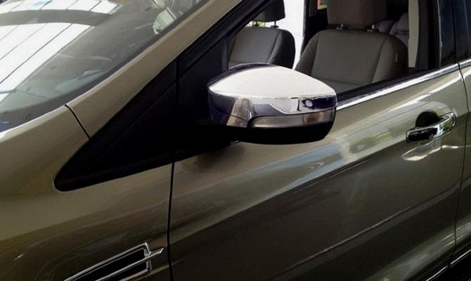 Отклейка карбоном зеркал заднего вида авто