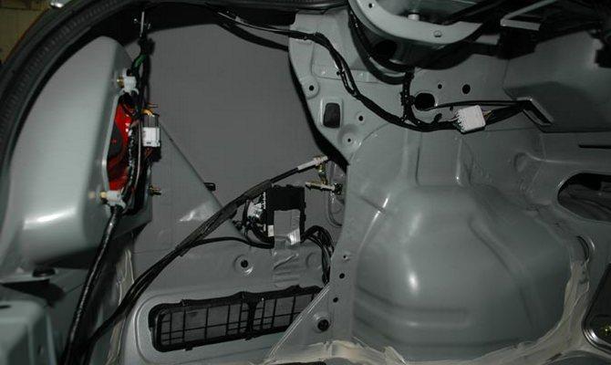 Новая шумоизоляция в багажник авто – устраняем недочет производителя
