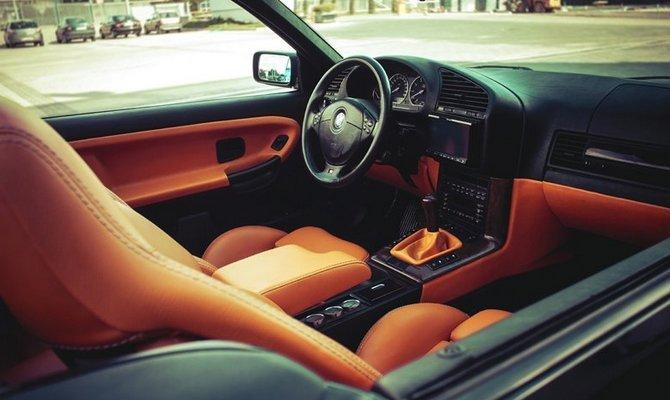 Обновление салона BMW E36 coupe – перетяжка дверей