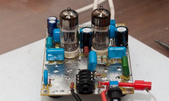 Ламповый усилитель – чистый звук при минимуме затрат