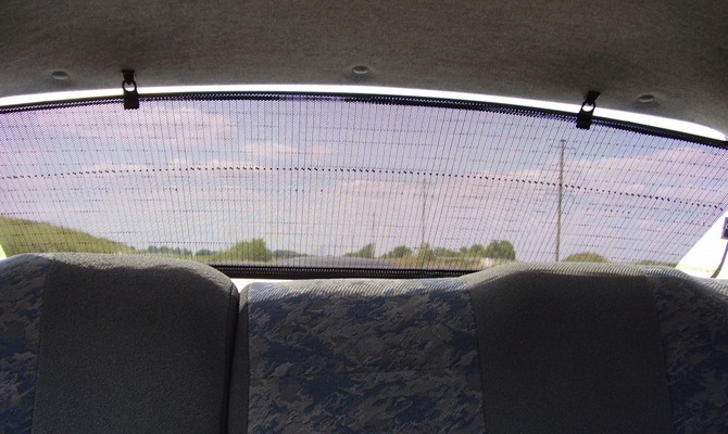 Аксессуары назаднее стекло машины –2 способа крепежа