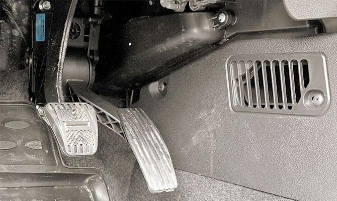 Замена штатной педали газа – важный штрих перед чиповкой