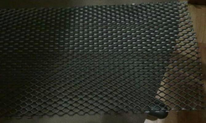 Сетка для монтажа на внутренней части решетки