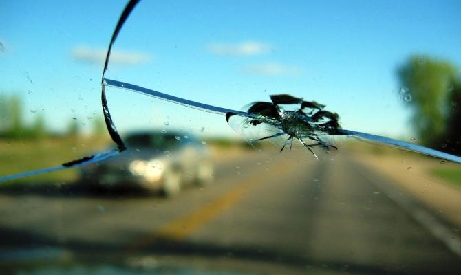 Различают три типа повреждения стекол, каждый из которых требует индивидуального подхода в ремонте