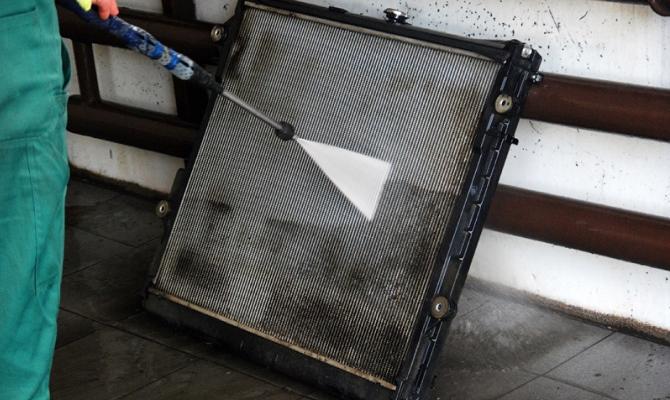 Наружная чистка радиатора