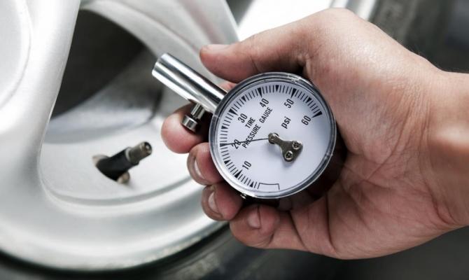 Не все берут во внимание вероятность снижения давления в шинах за счет состава воздуха