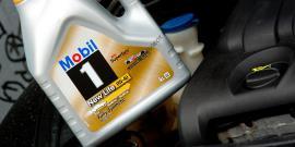 Нужно ли часто менять масло в двигателе и как правильно это делать?