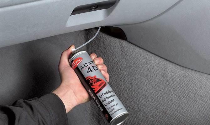 Чистка испарителя автомобильного кондиционера – одна из сложнейших задач для автолюбителя