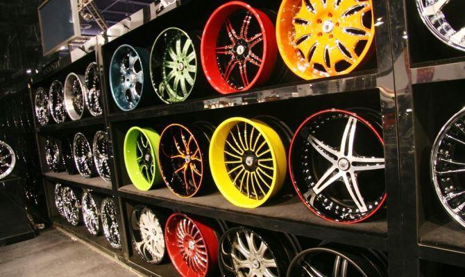 Покраску литых дисков можно производить без снятия резины с колес