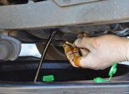 Последствия от перелива масла в двигатель – причины повышенного уровня, возможные последствия и способы устранения