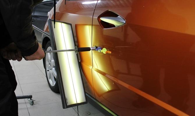 Существует множество различных инструментов и приспособлений, с помощью которых можно выровнять поверхность кузова