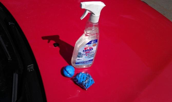 Очищающая абразивная глина не оказывает агрессивного воздействия на лакокрасочное покрытие автомобиля — это главное её преимущество