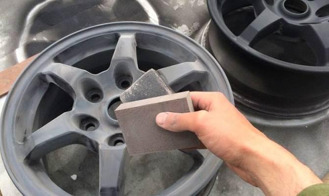 Средства, не содержащие кислот позволяют без проблем удалить грязь практически любого происхождения, в том числе и налет тормозной пыли