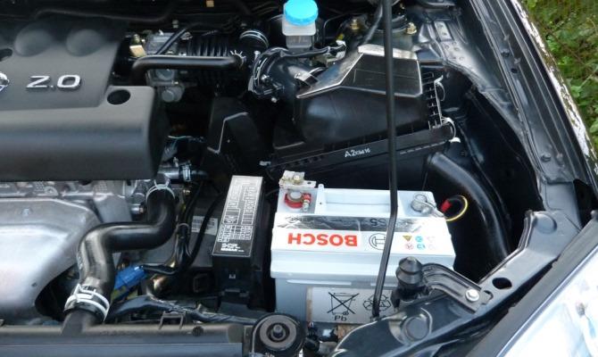 Основная сложность в подзарядке необслуживаемых АКБ - это проверка уровня электролита, а препятствует этому отсутствие отверстий для заполнения жидкости
