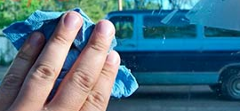 Чем убрать клей от тонировки со стекла – подручные средства или химия?
