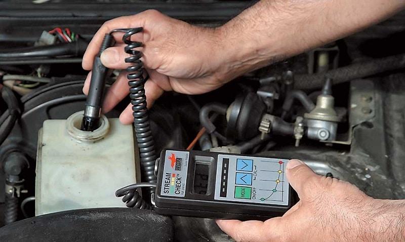 Сколько тормозной жидкости нужно для замены и как проверить ее состояние?