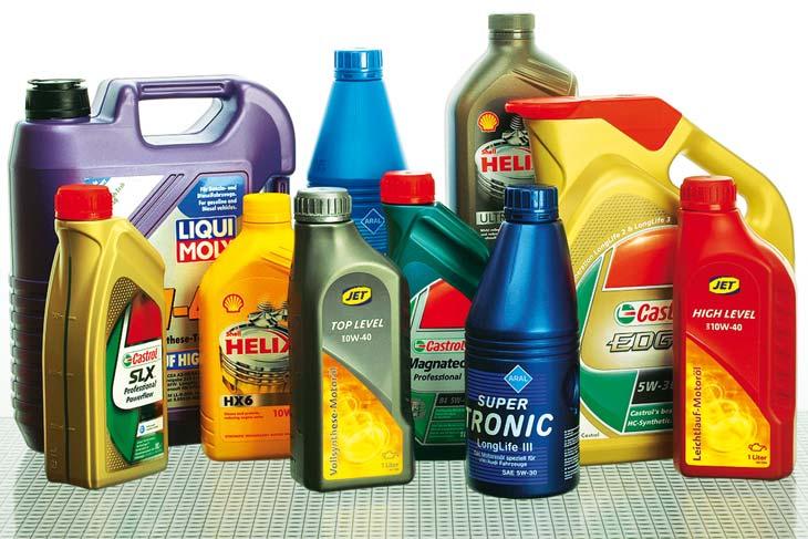 Какое масло лучше заливать в двигатель – выбираем качественный продукт