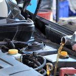 Двигатель автомобиля ест масло — обзор основных причин и их решение