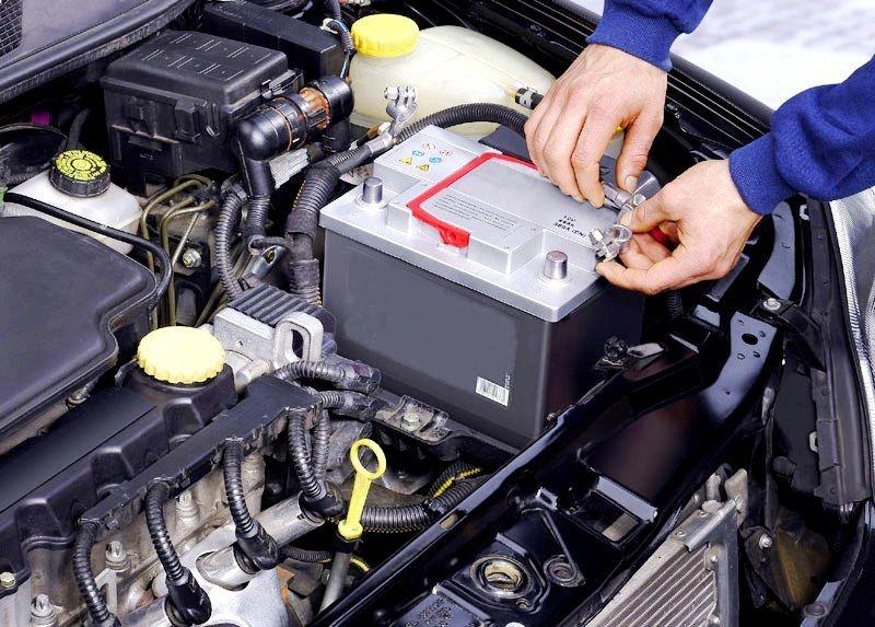 Можно ли заряжать необслуживаемый аккумулятор дома — подробный ответ