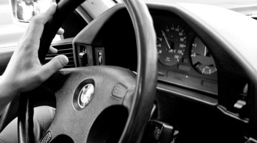При торможении бьет педаль тормоза – ищем причину в тормозных дисках и не только
