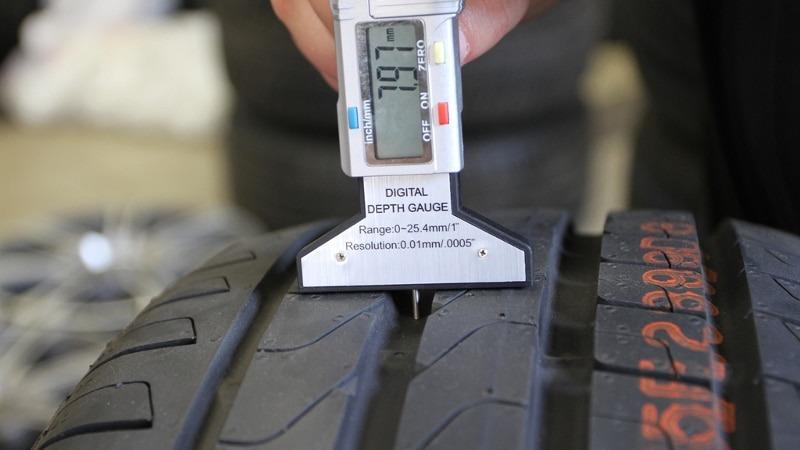 Минимальная высота протектора летней резины – параметры для легковых автомобилей и автобусов