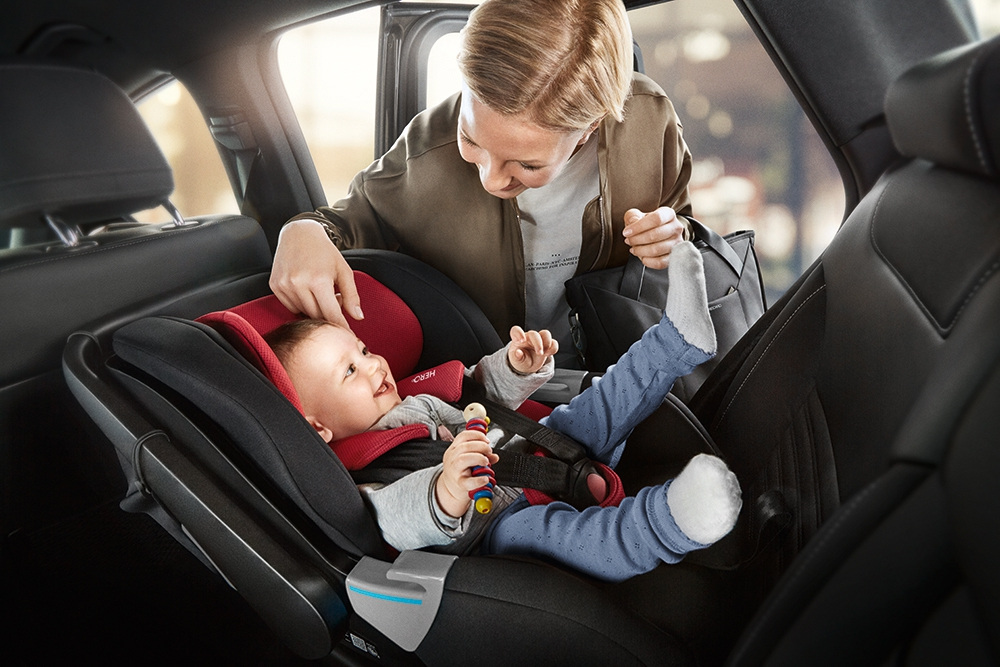 С какого возраста разрешается возить ребенка без автокресла в 2020 году?