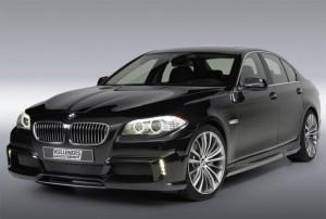 На фото - автомобиль BMW F10, topcars.am